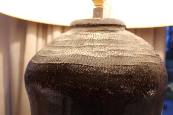 grote lamp oude rijstpot
