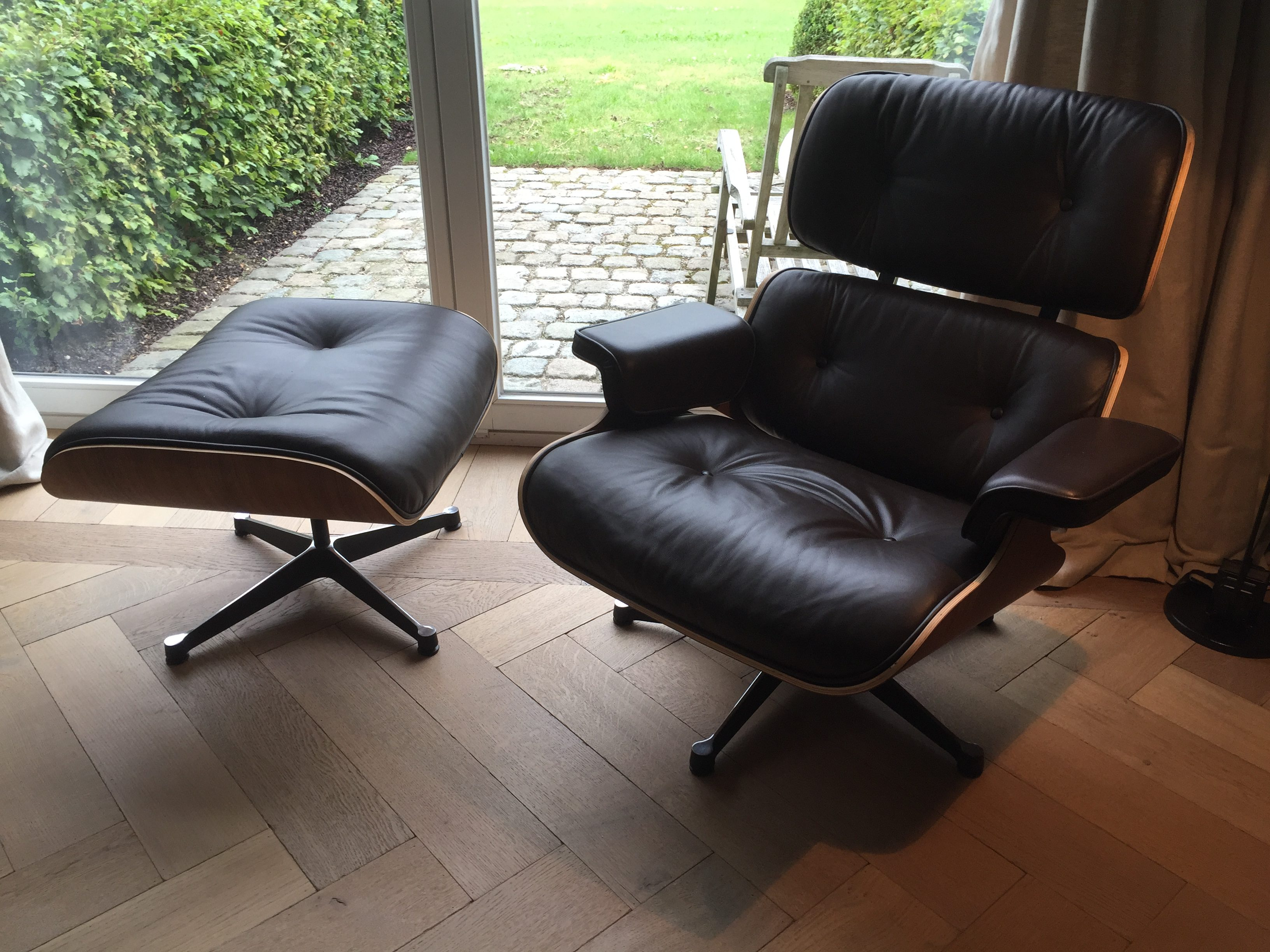 Wondrous Eames Chair With Ottoman In Dark Brown Leather And Rosewood Ncnpc Chair Design For Home Ncnpcorg